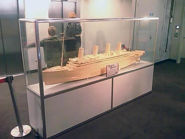 Bespoke glass model showcase