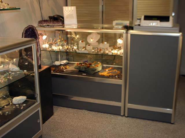 Jewellery display cabinet