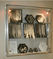 Wall mounted jewellery cabinet