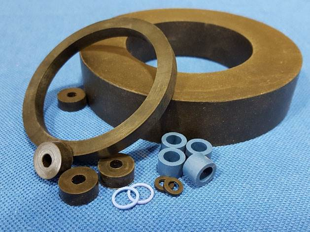 Rubber washers and square section seals