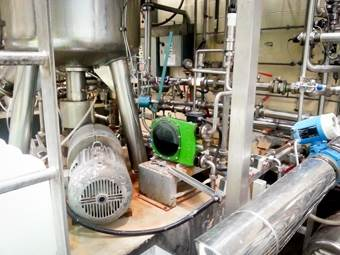 Pumping yeast in wineries with a peristaltic pump