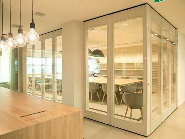 Custom Glass Partitioning Systems