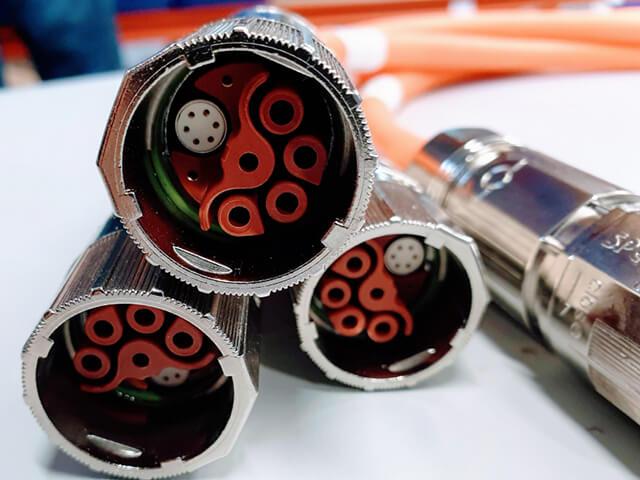 723 htec Hybrid Connectors