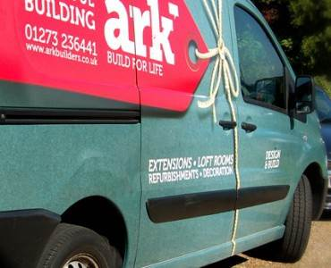 Vehicle Signwriting: What are the Benefits?
