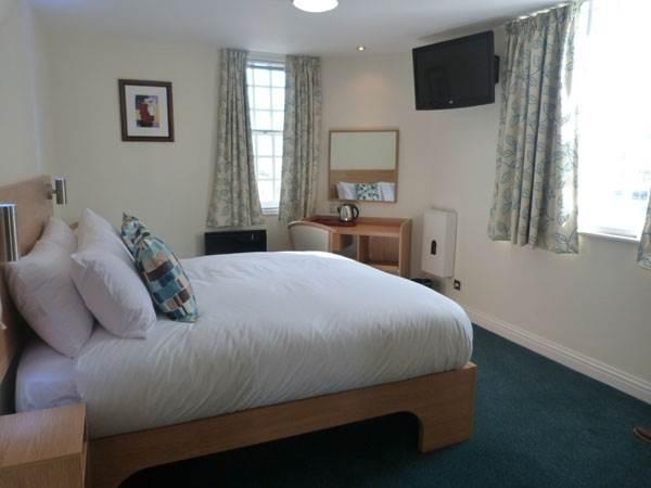 Hotel Bedroom Furniture Manufacturers