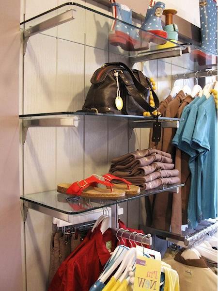 Glass and aluminium retail shelving system