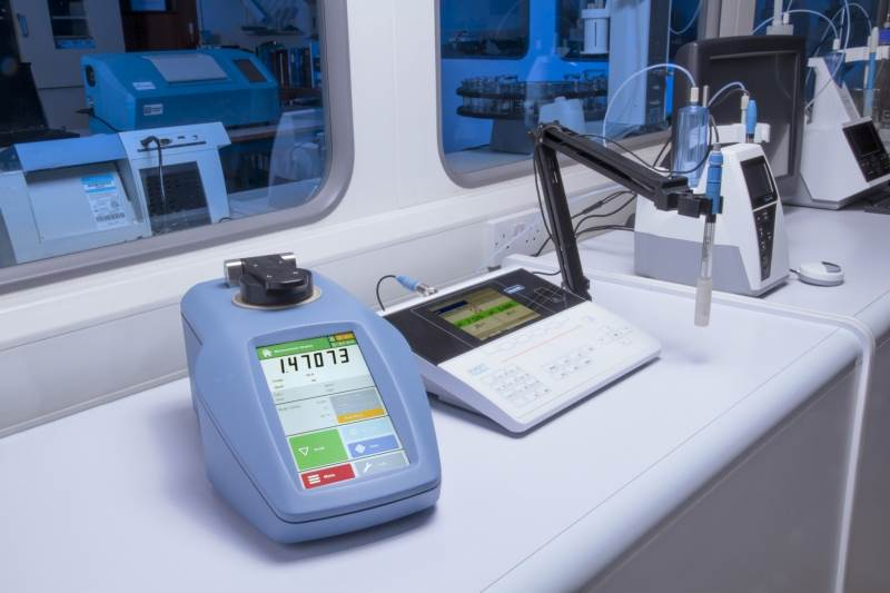 Xylem's Bellingham + Stanley upgrade the top selling RFM340 refractometer