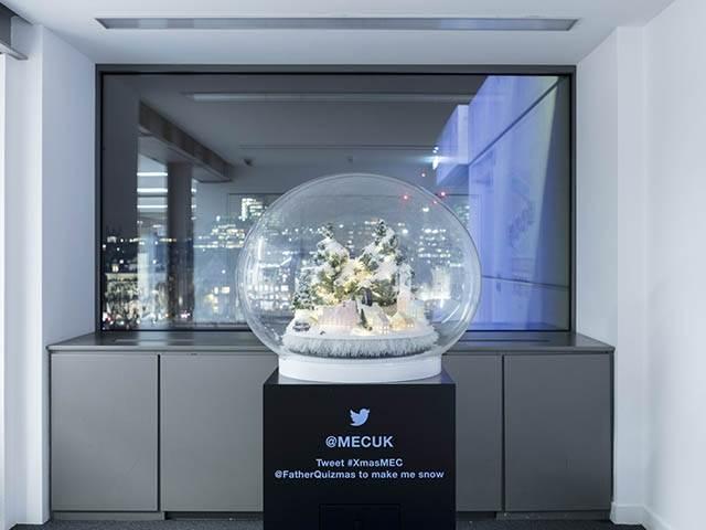 Large 900mm Diameter Acrylic Snow Dome