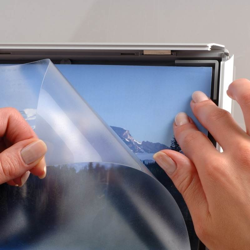 To insert a poster open the snap frame surround