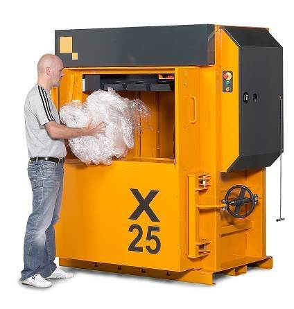 Bramidan X25 Baler with automatic door