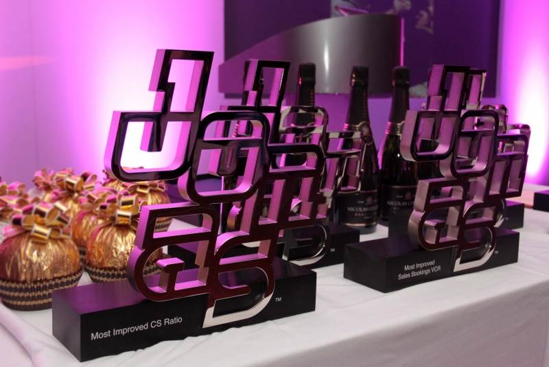 EFX Shows How to Deliver Event Impact with Bespoke Awards