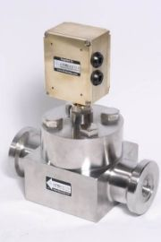 High pressure hub connection flowmeter